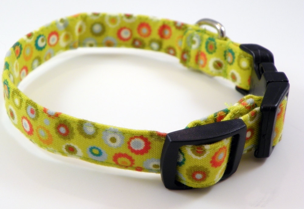 """Green Dog Collar With Circles - SIZE XS 7-11"""""""