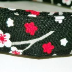 Dog Collar - Black with red and white flowers - Size XL 17-29""